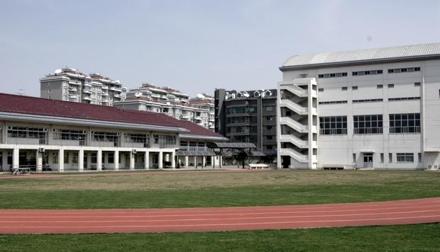 日本人学校の校庭。