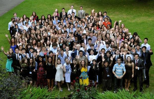 指導者の7割が、オックスフォードもしくはケンブリッジ大学で教育を受けた講師とのこと。