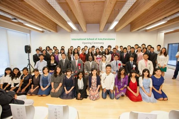 開校式には、下村博文文部科学大臣、阿部守一長野県知事のほか、約150名のご支援者、学校立ち上げに関わった関係者も列席。