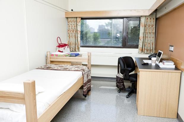 学生寮では、ひとり部屋もしくはふたり部屋に滞在。