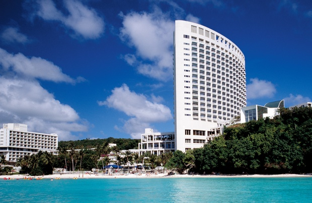 プログラムを実施するのは、ホテル内の託児施設「ハーモニーキッズ」で、期間内の月~金曜日の9時〜17時まで実施。