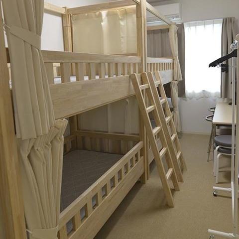 ドミトリールームは、4人用の部屋となり、短期宿泊者向けとなります。