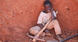 今年のDVDに登場するのはザンビアの男の子。受賞作品は実際にDVDに登場した子ども(本年はザンビア)に届けられ、グッドネーバーズが当該の子どもを含む現地の支援を行う予定。