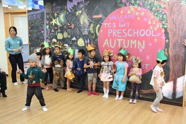 プレ初等部の説明会のイベントに参加した子どもたち。