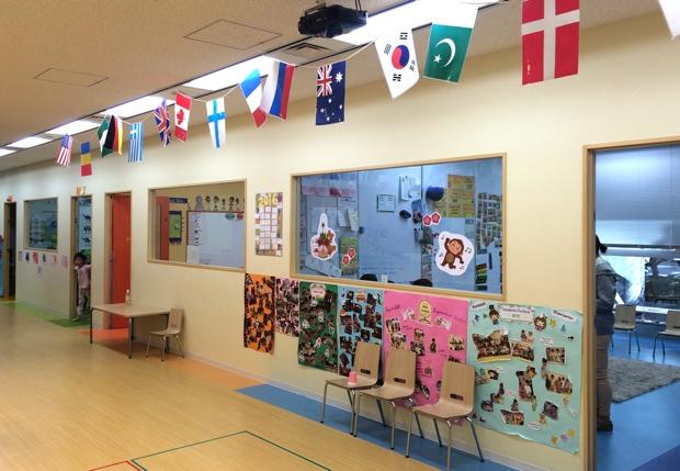 施設内には6つの教室が並ぶ