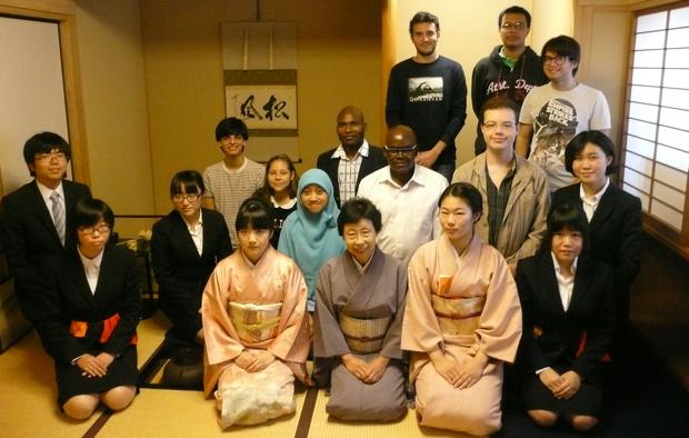 日本文化体験のサポートも行います。