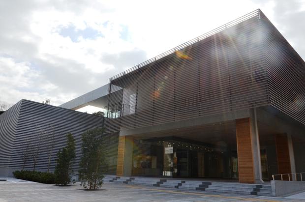 「文京区教育センター」は、2015年4月にオープン。地上3階、延べ床面積約6745平方メートル。