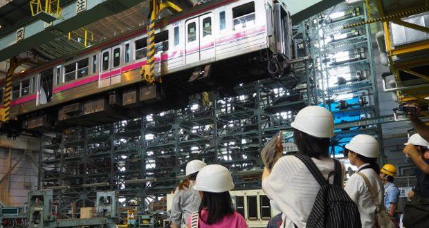 京王電鉄の「電車の整備のおしごとを知ろう!」体験。