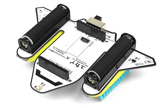 ハブラシロボットキットは、米国「IMAGINEBOTS社」とユカイ工学がコラボして商品化。IMAGINEBOTS社は、すでにハブラシが振動して走るロボット教材キット「Bristlebots Kit」を販売しています。