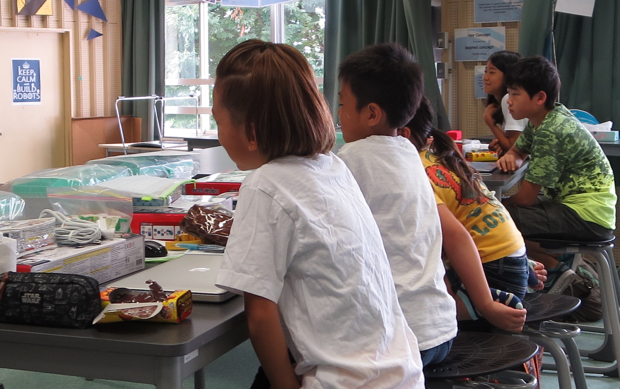 松林さんの10才の娘さんも日常的にプログラミングに親しんいるそうですが、子どもの好奇心のスイッチがどこにあるのかよくわかってる!